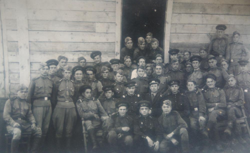 Фёдор Воронин в лагерном посёлке Кантус Таштагольского района.