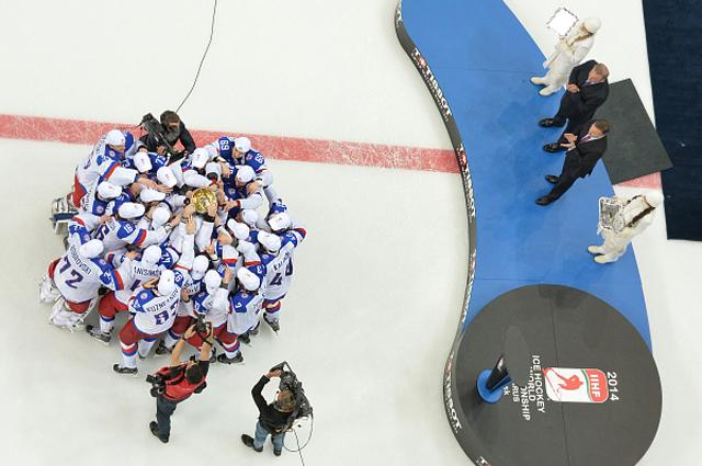 Сборная России по хоккею после победы на чемпионате мира в Белоруссии