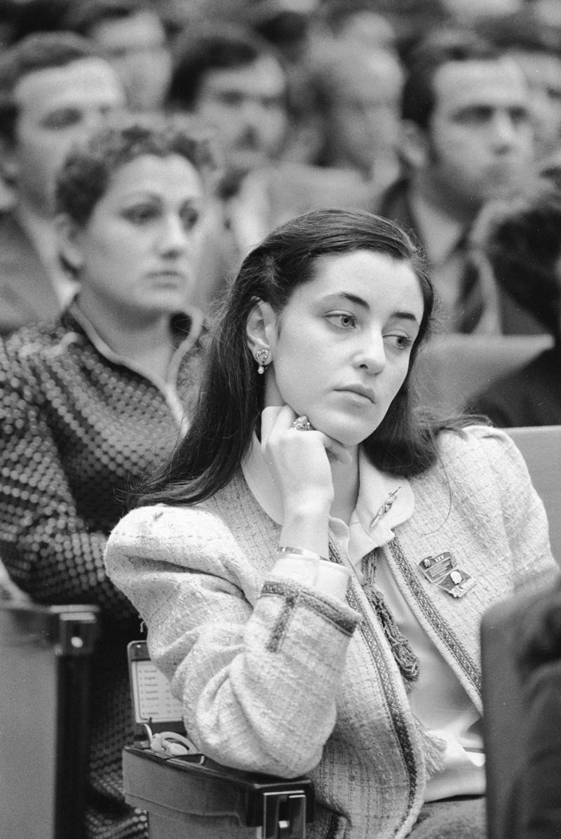 Студентка Тбилисской консерватории Тамара Гвердцители - делегат XIX съезда ВЛКСМ. 1982 г.