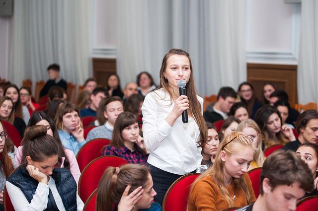 Студенты вносят свои предложения в развитие университета.