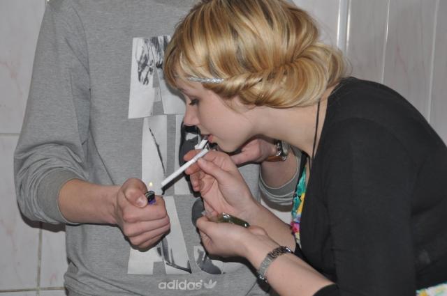 Омичи в 2018 году заплатили более 370 тысяч рублей штрафов за курение в неположенных местах.