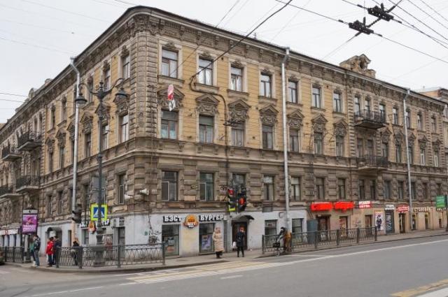 В доме Настасьи Филипповны когда-то жила возлюбленная Достоевского - Авдотья Панаева.
