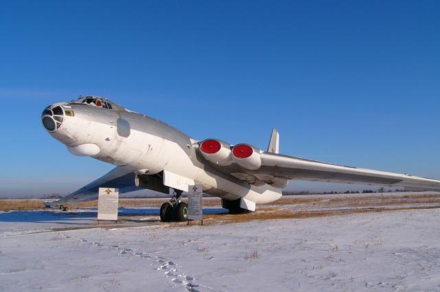 М-4 на авиабазе Украинка, 2004 год.