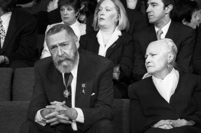 Олег Ефремов и Софья Пилявская, 1998 г.