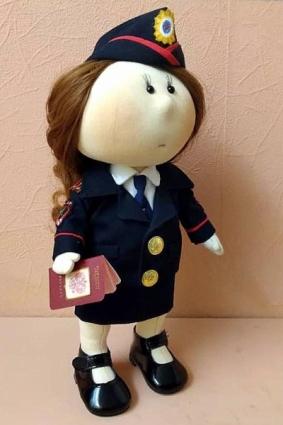Кукла Стеша Степановна, которую представили на конкурс сестры Ангел.