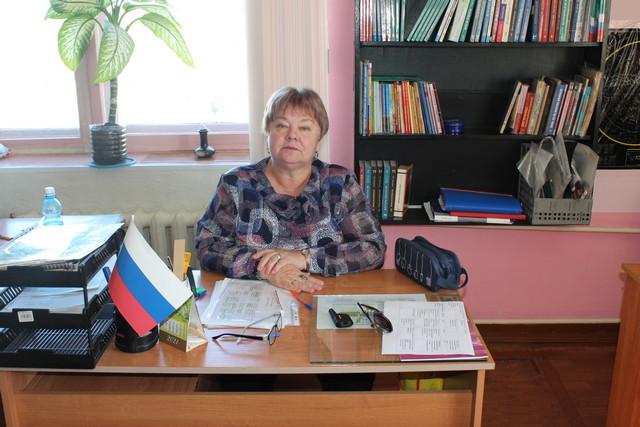 Осужденные любят, как учитель истории Елена Дудкова рассказывает о прошлом.