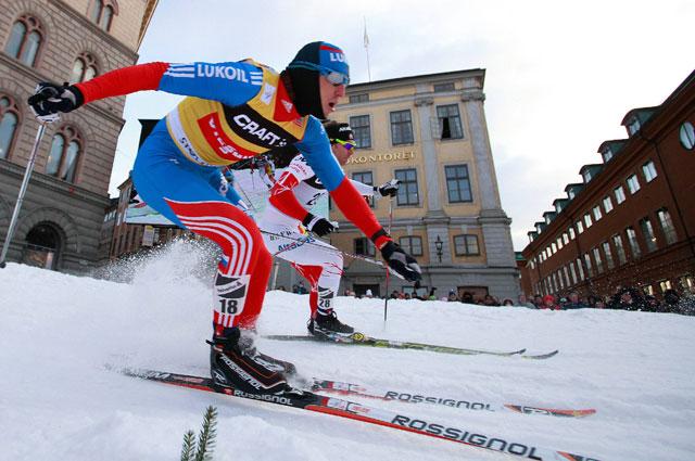 Александр Легков на этапе Кубка мира по лыжным гонкам в Стокгольме, 2013 год