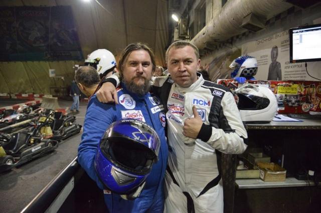 Александр Азаренков с президентом Федерации автоспорта Оренбургской области Андреем Радошновым.