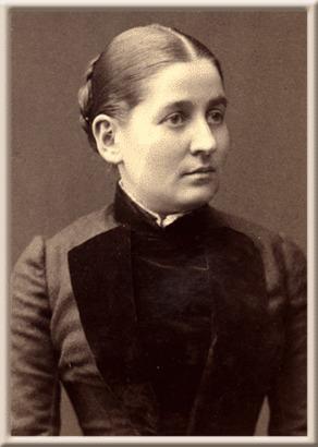Серафима Васильевна была энергичной и достаточно эмансипированной особой.