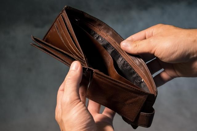 Многие семьи обращаются в соцслужбы из-за потери дохода.