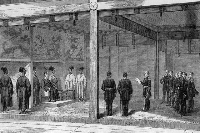 Император Японии принимает французскую военнуюделегацию в Императорском дворце Киото.