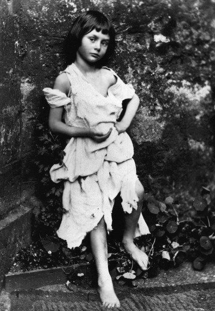 Льюис Кэрролл. Алиса Лидделл в образе нищенки, 1858