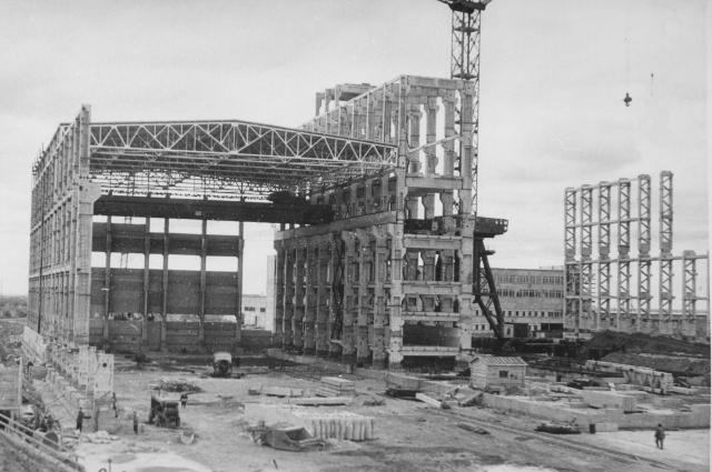 Начало строительства станции.