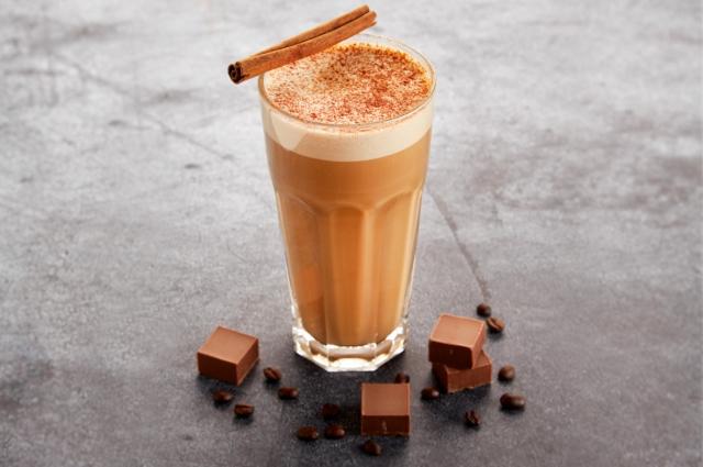 Кофе – сложнейший продукт с собственной философией, его нужно пить очень медленно, маленькими глотками, чтобы прочувствовать всю палитру вкусовых оттенков и ароматов.