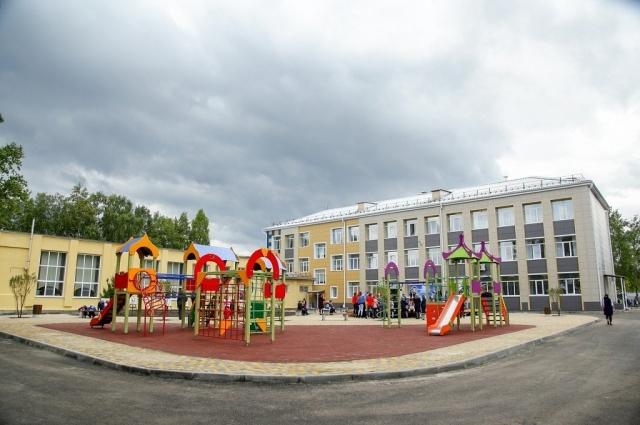 Школа № 25 в Салаире стала цифровой после реконструкции здания 1964 года постройки.