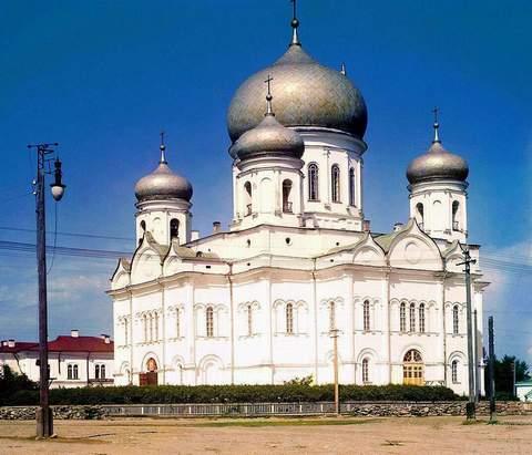 Взорванный после революции Святодуховский собор находился на том месте, где сейчас расположен Музыкальный театр РК