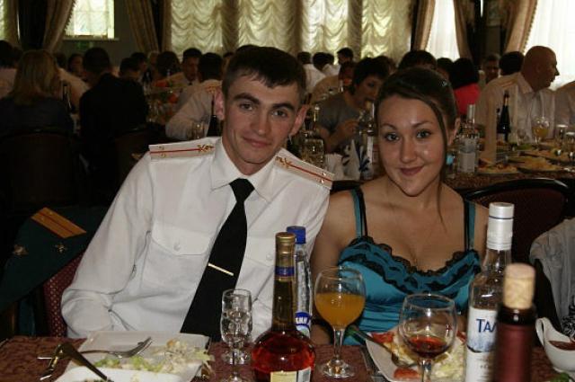 Саша с женой.