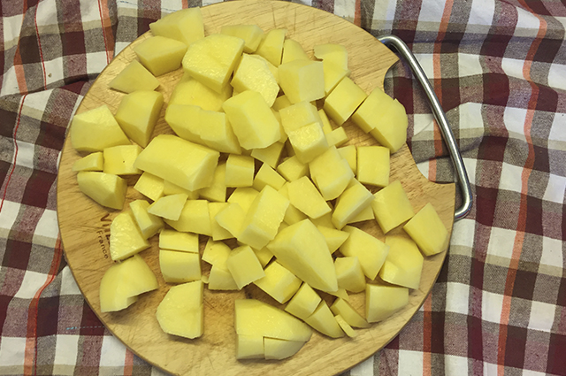 Жаркое с картошкой и кислым тестом
