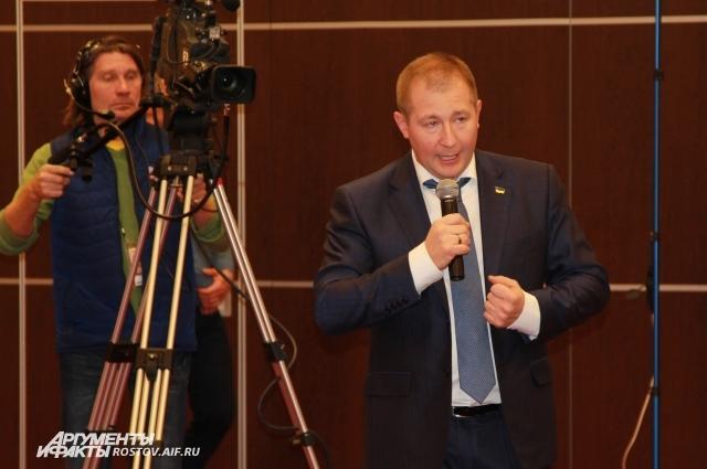 В Ростовском областном суде Януковича защищал адвокат Виктор Сердюк.