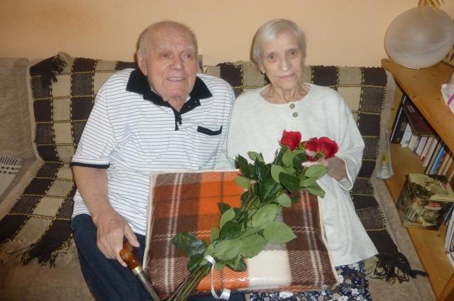 Иван и Нина Ивановы рука об руку ещё со школы.