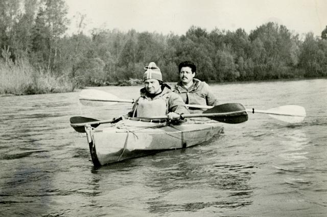 Сотрудники Челябинского опытного завода каждое лето сплавлялись по рекам.