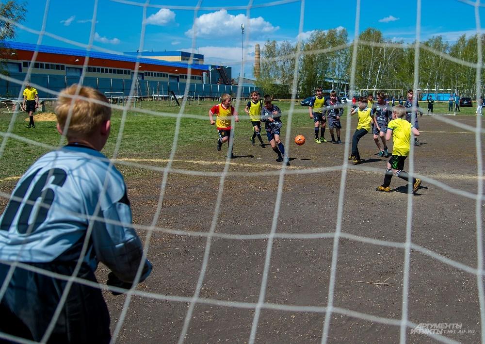 Юным футболистам есть где тренироваться.