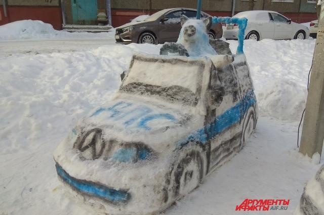 Зато из снега можно слепить что-нибудь интересное!