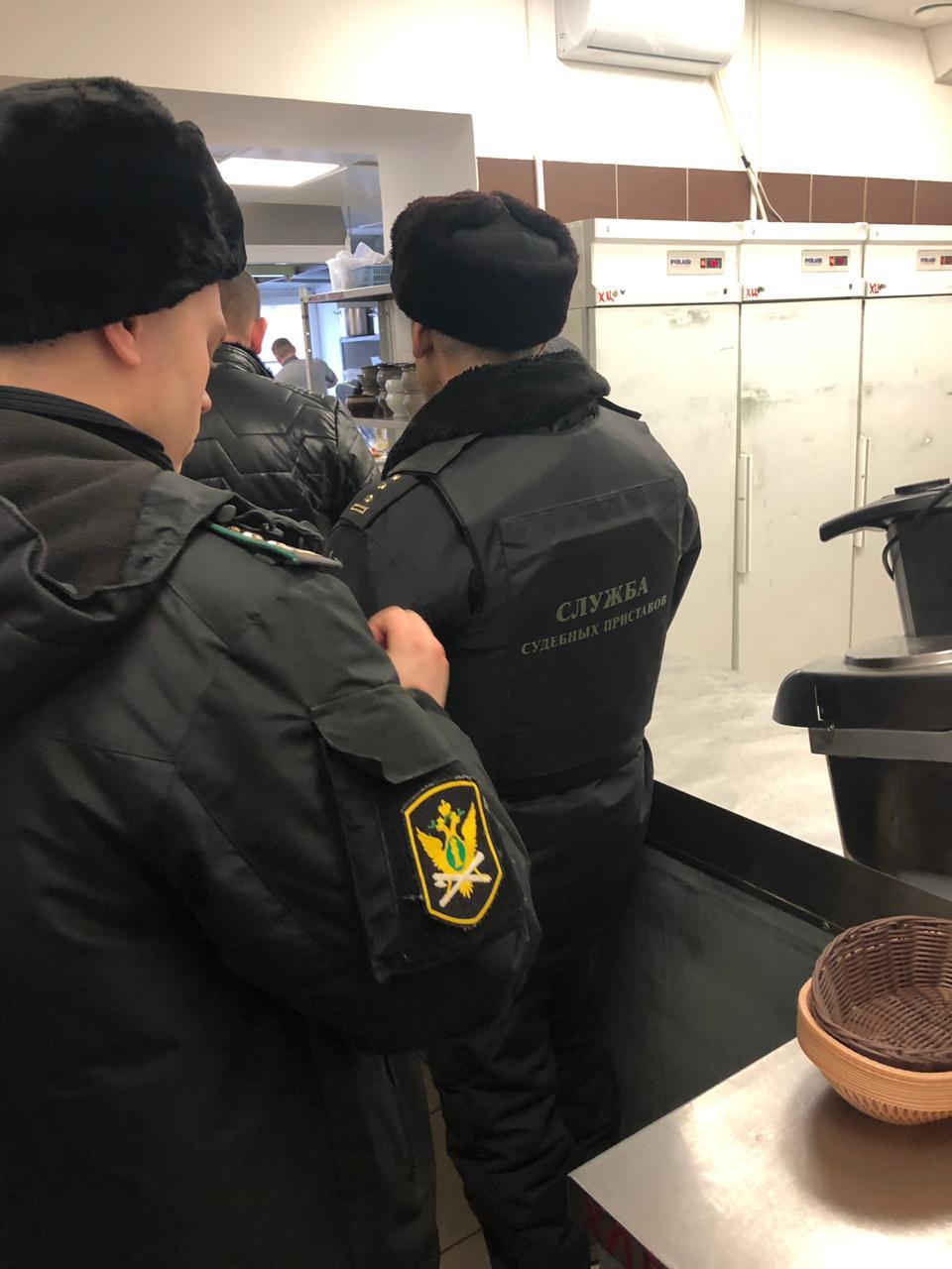 Судебные приставы закрыли кафе