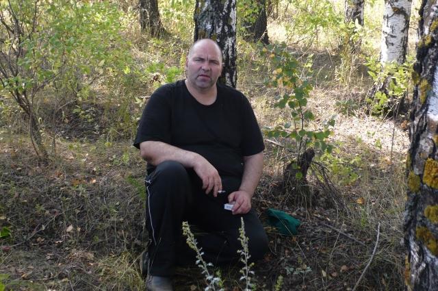 Анатолий Седых на следственном эксперименте на одном из мест преступлений.