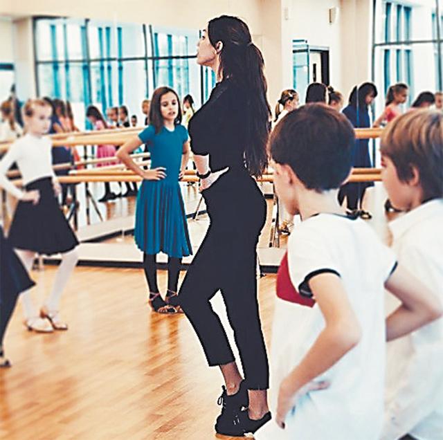 Я всегда была уверена, что буду преподавать, так как мне это нравится! Детям очень важно, чтобы их тренер был примером, тогда они тянутся за ним, показывая максимальный результат. Только так можно мотивировать, идетей особенно!»– говорит Елена Успенская.