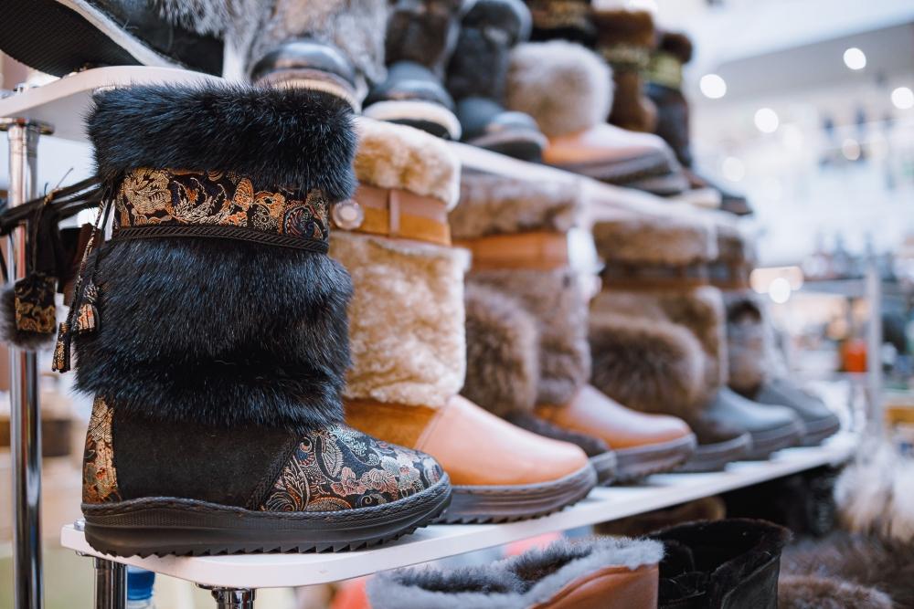 На ярмарке можно будет купить тёплую зимнюю обувь или верхнюю одежду.