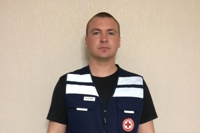 Врач Евгений Сероухов работает в бригаде СМП три года