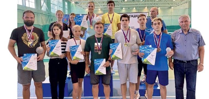 Трое спортсменов на прошедшем в Брянске чемпионате области выполнили спортивный разряд кандидат в мастера спорта.