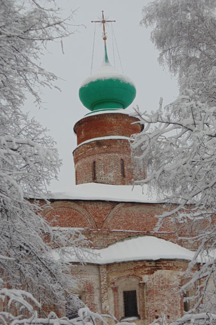 Борисоглебский монастырь неизменно вызывает восхищение как у российских, так и у зарубежных туристов.