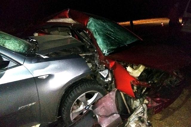 Один из автомобилистовв тяжелом состоянии доставлен в больницу.