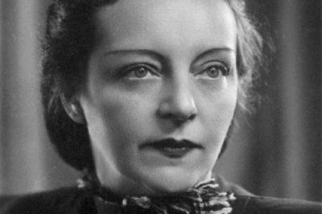 Среди кремлевских жен Нино слыла первой красавицей.