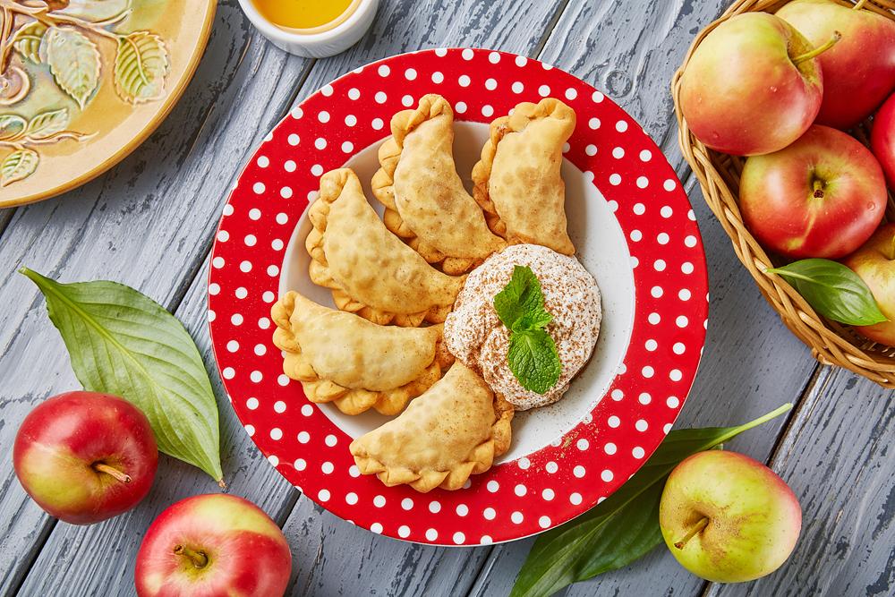Жареные вареники с яблоками