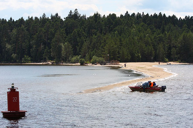 Остров Городомля на озере Селигер
