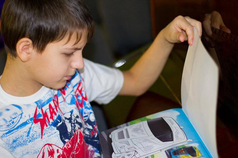 Детей из приюта Ровесник волонтёры учат создавать мультфильмы