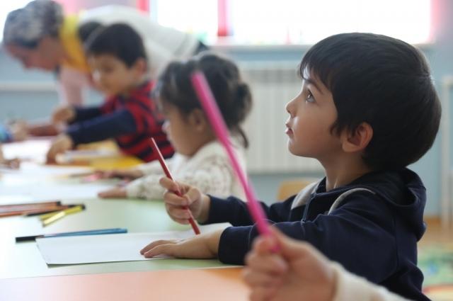 58% малышей посещают детские сады.