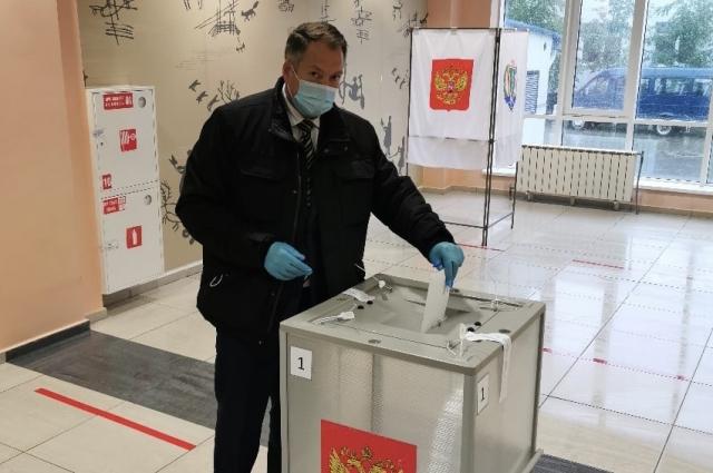 Александр лавренов уже проголосовал за поправки