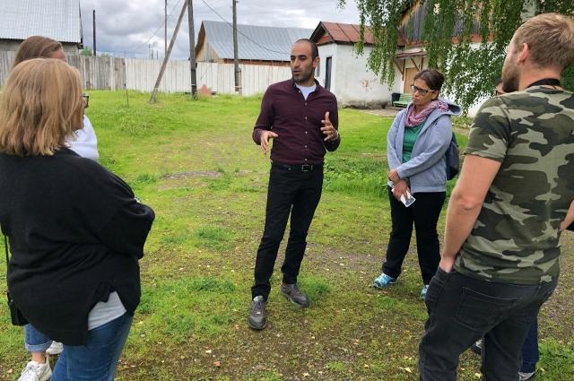 Гид проводит экскурсии по мемориальному музею–заповеднику истории политических репрессий «Пермь-36».