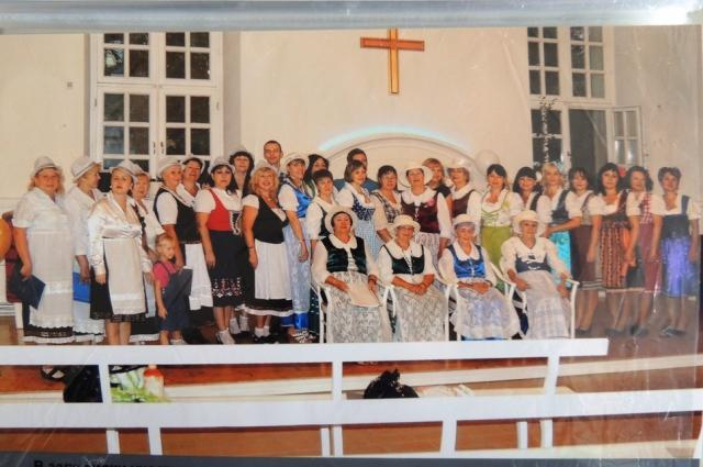 Участники творческих коллективов на фестивале в «Старой Сарепте» в зале кирхи.