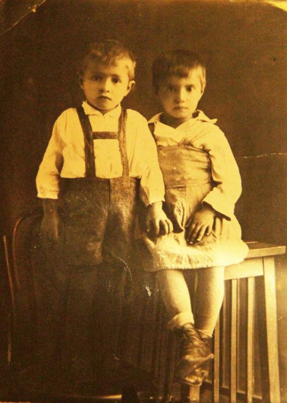 Нина Михайлова с братом