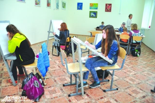 В новой художественной школе могут заниматься около 1500 детей.
