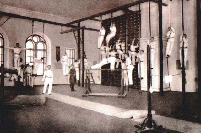 1895–1903. Александровское военное училище. Гимнастический зал