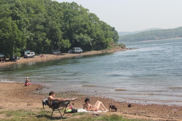 Многие приморцы пренебрегают правилами безопасного отдыха под солнцем.