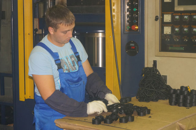Почти половина работников ЯЗРТИ - молодые специалисты.