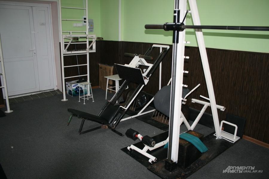 Тренажёрный зал пользуется у заключённых особой популярностью.