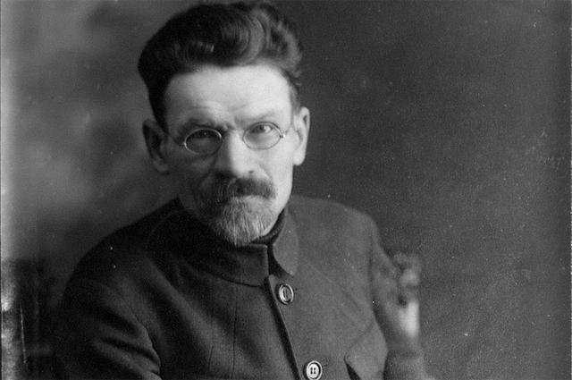 Михаил Иванович Калинин.